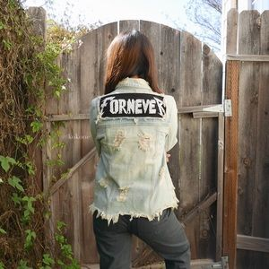 UNIF Fornever Light-Wash Denim Jacket